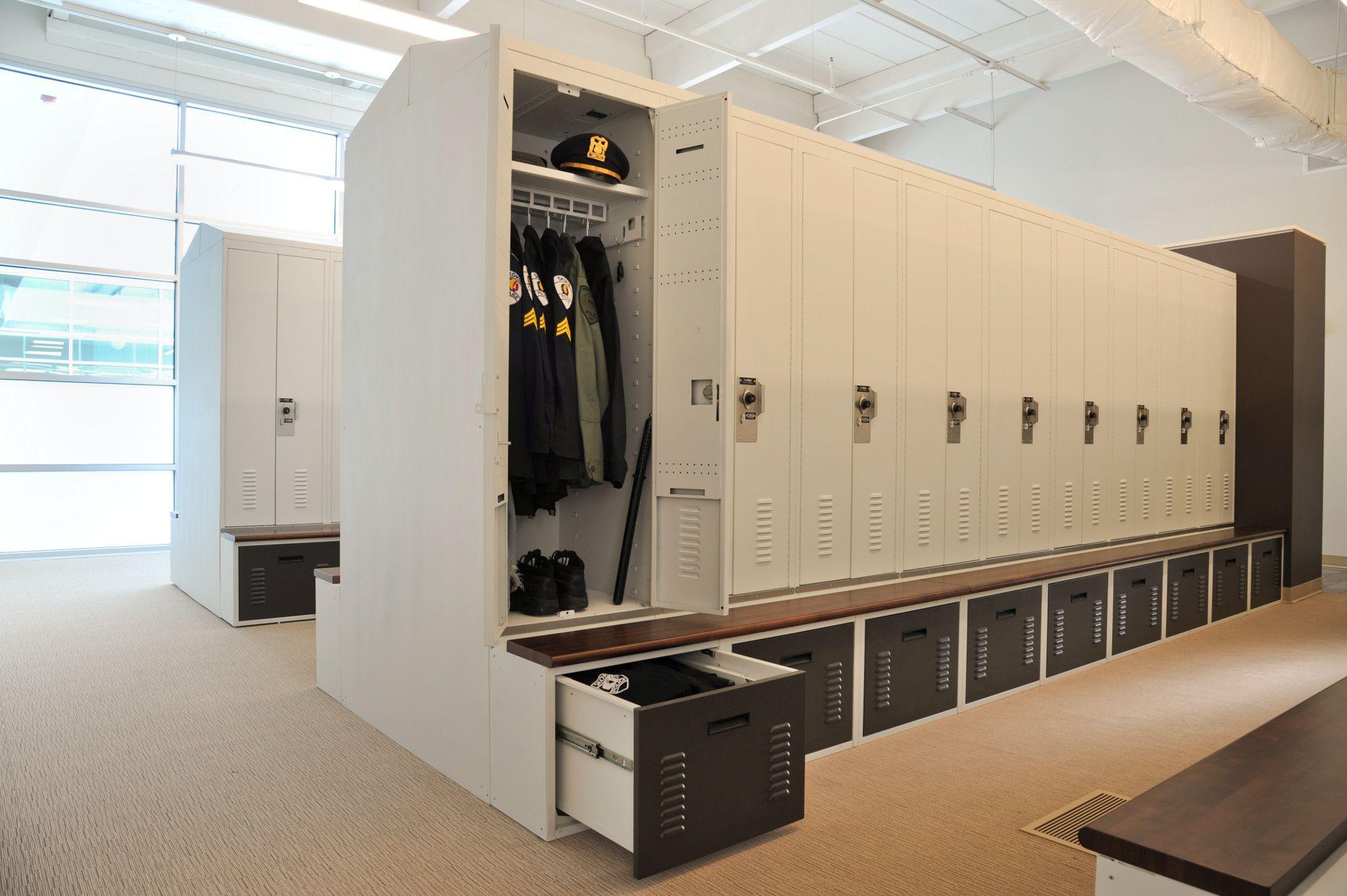 Personal gear locker storage at police department