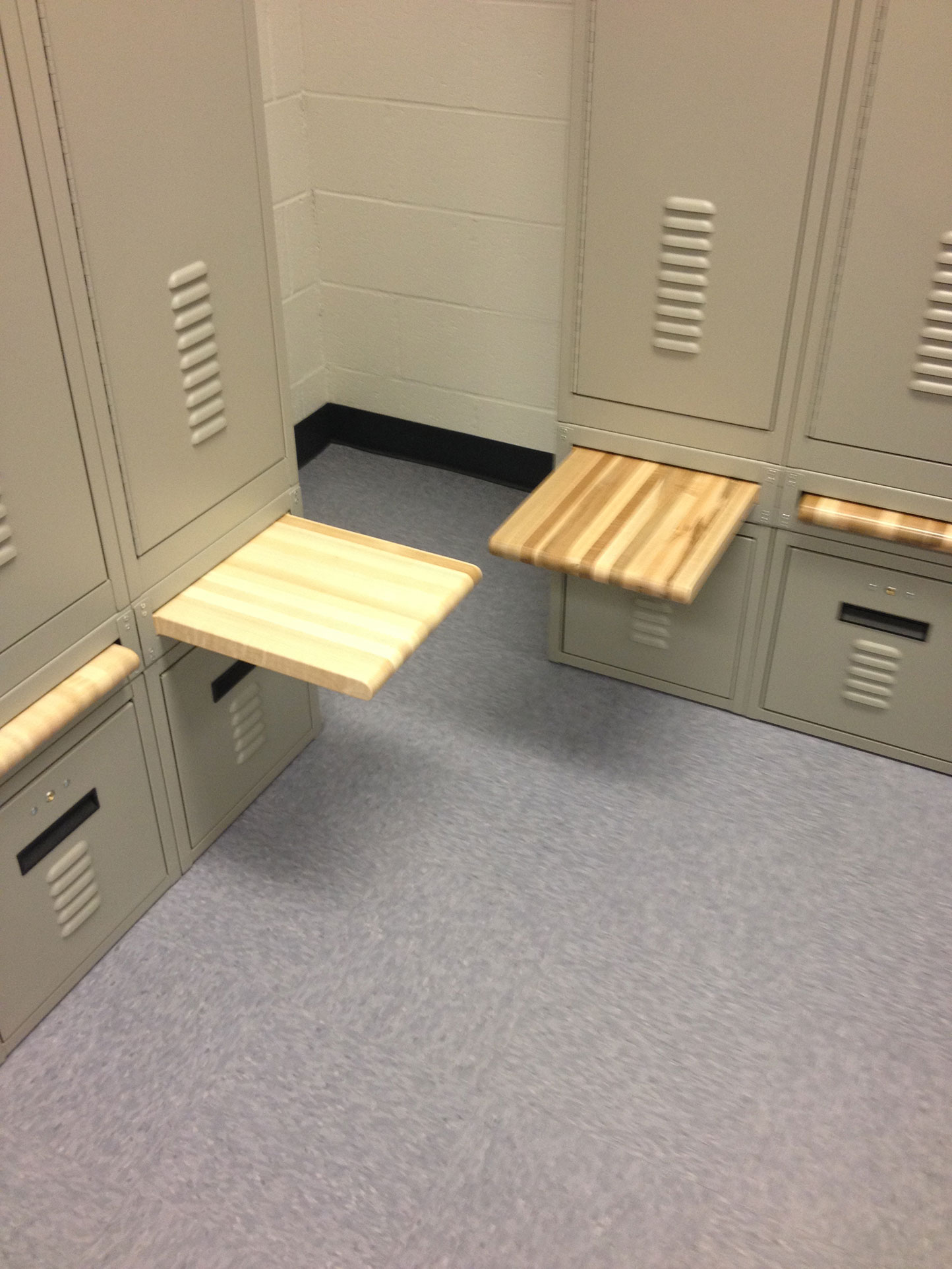 Retractable BreadBoard Bench Lockers