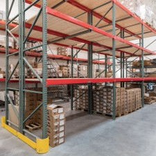 Pallet racking with box storage in warehouse