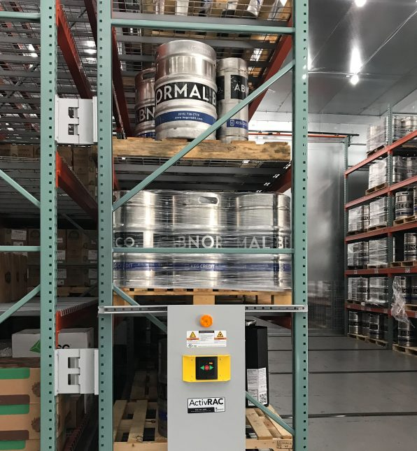 Mobile system with pallet racking storing kegs